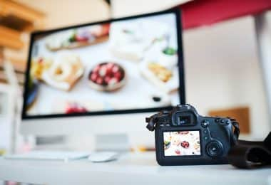 Food photography lighting can be hard to figure out as a new photographer. Here are some tips and equipment recommendations to get started.