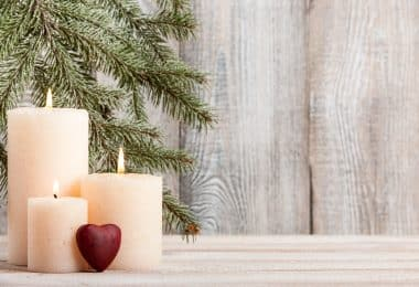 Finding the best wax for candle making can be a little tricky, especially if you're looking for natural solutions. Read on if you need help choosing!
