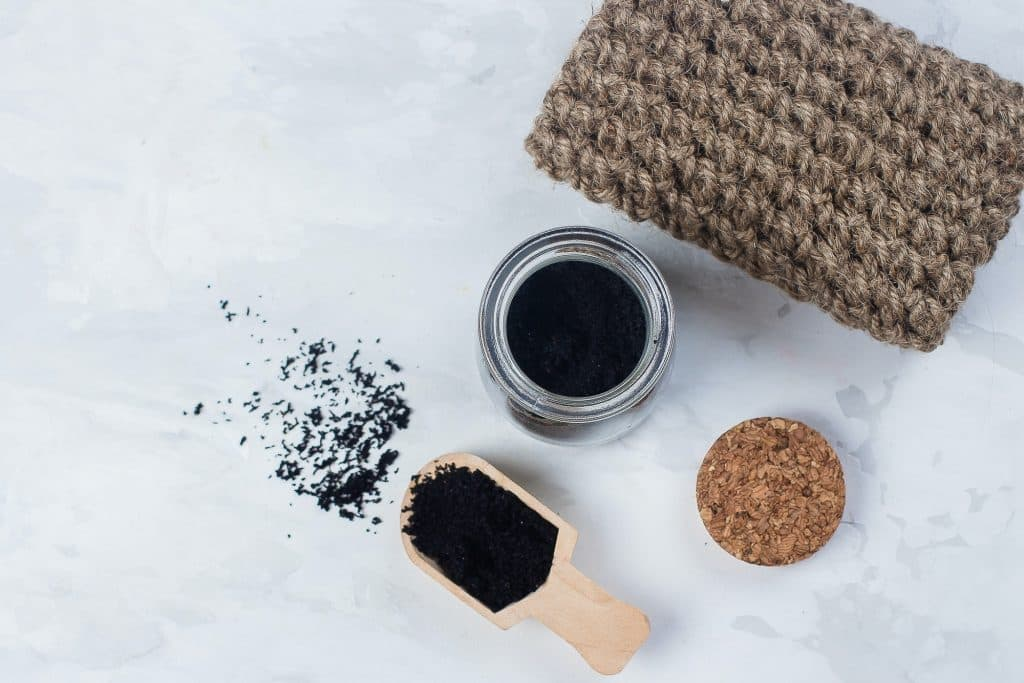 Learn how to make your own bath scrub with our guide on the oils and exfoliants you'll need to get started. Treat yourself or gift to friends and family!